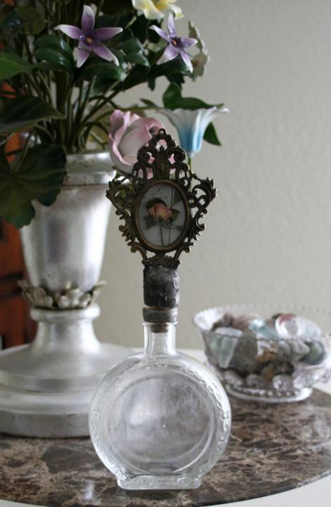 Rose specimen bottle stopper