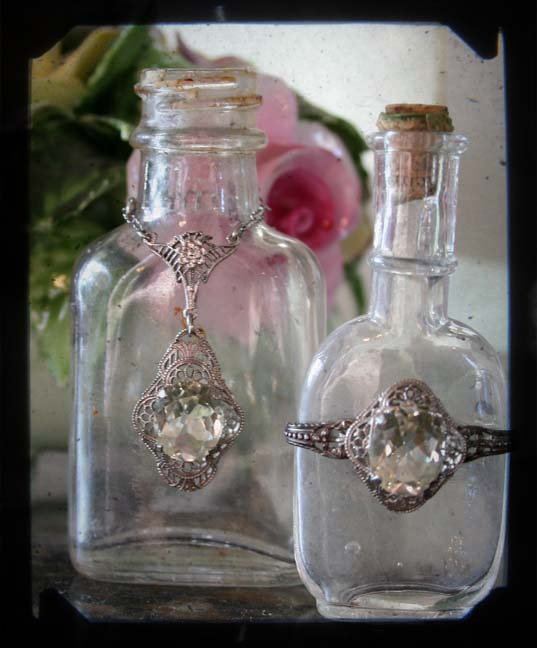 Ring bottle duo frame