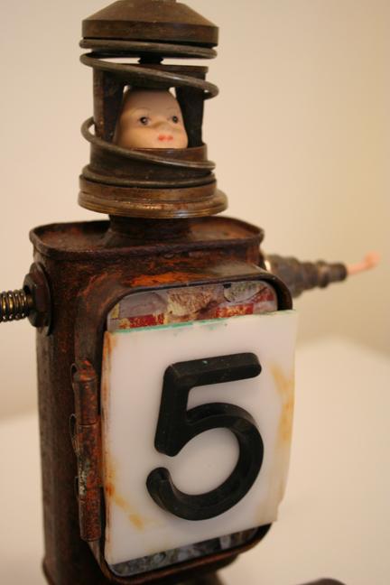 Numéro cinq circus book assemblage (2)