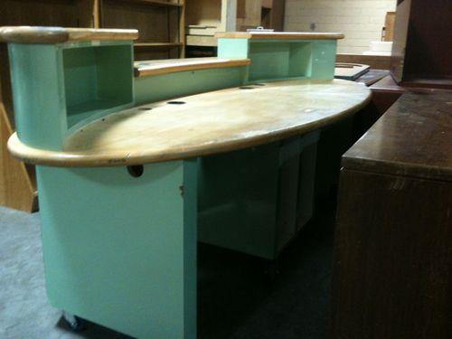 Surfboard desk (2)