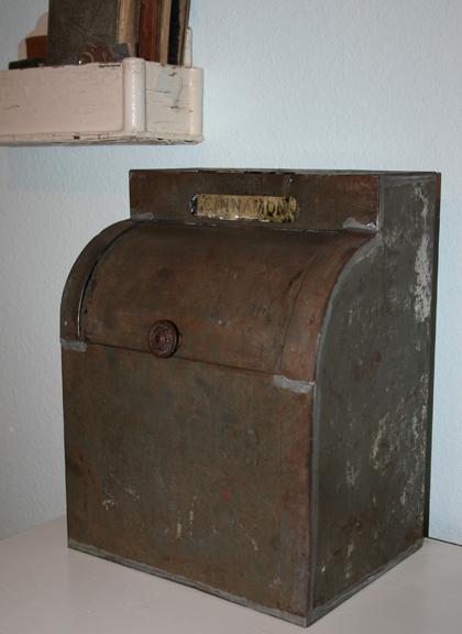 Cinnamon box b