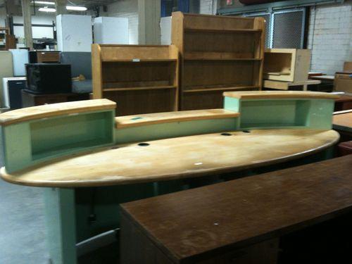 Surfboard desk (4)