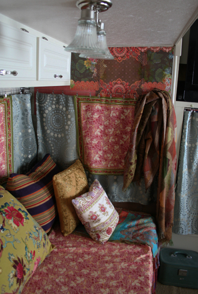 Gypsy wagon wall bb