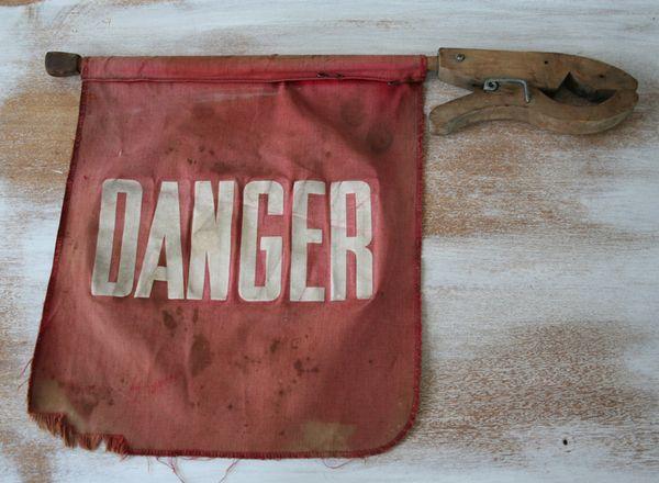 Danger flag (6)