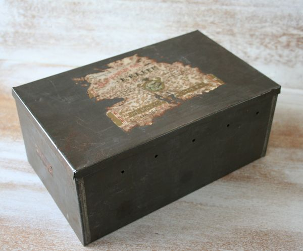 Tin box b