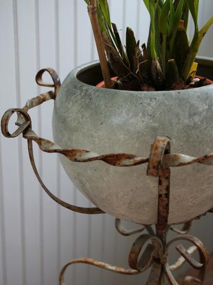 Flower pot painted a