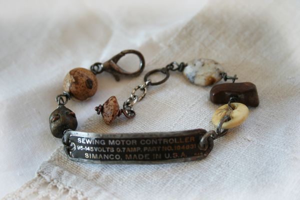 Sewing machine controller bracelet d