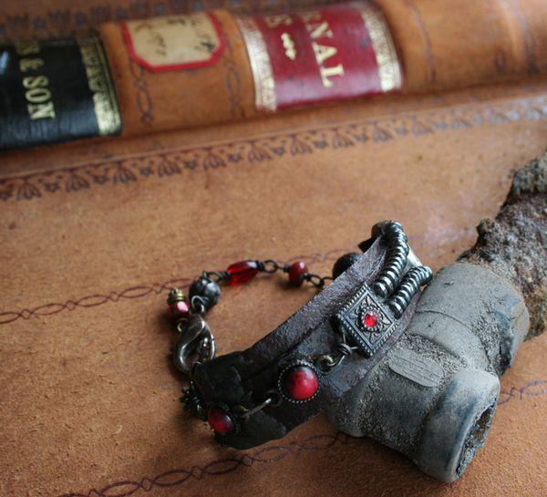 Dark Rose tuscan rose bracelet (1)