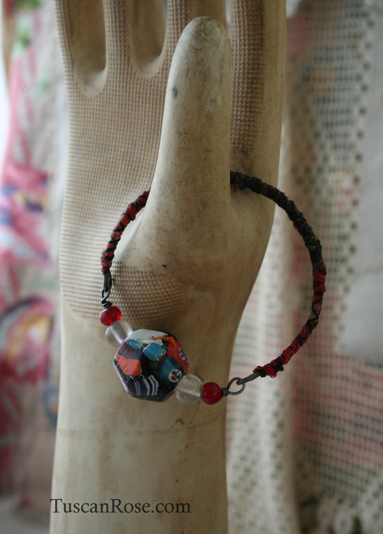 Big bead bangle no 22 E