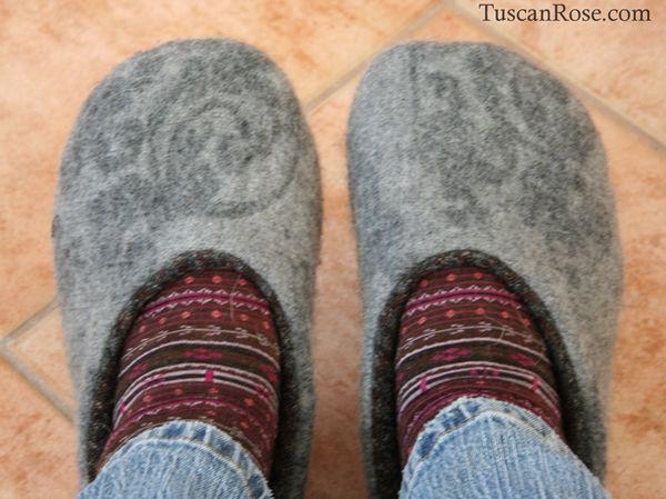 Slippers c