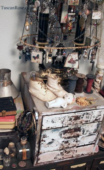 Studio shelf tuscan rose b
