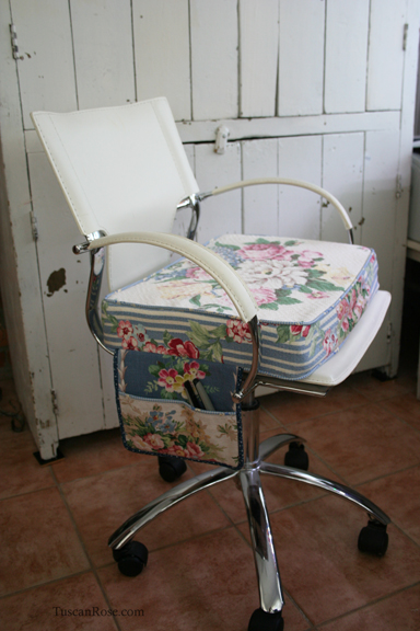Sewing chair d