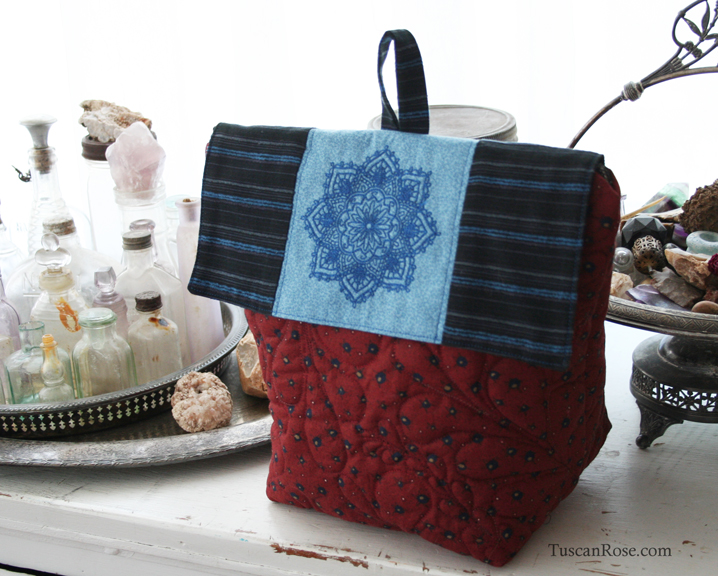 Red lunch bag front