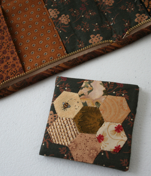 Honeycomb needle case (3)