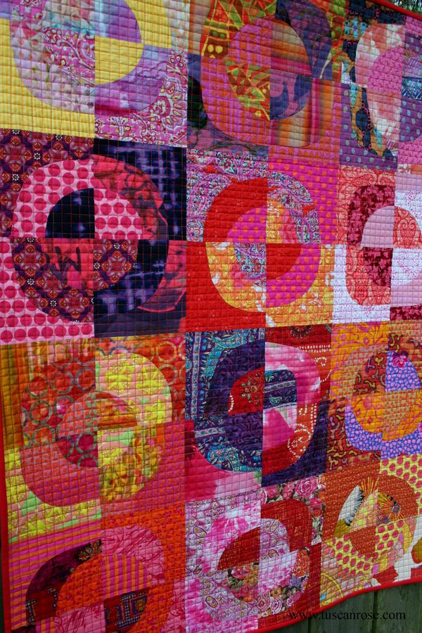 Circles 5 tuscan rose quilt detail