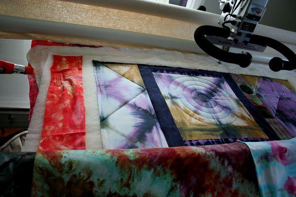 Longarm quilting modern shibori fabric (3)
