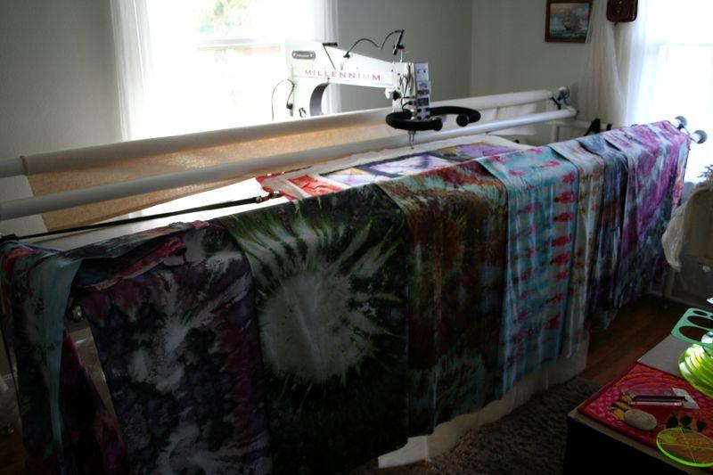 Longarm quilting modern shibori fabric (1)