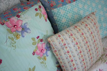 Vintage_fabric_pillowcases