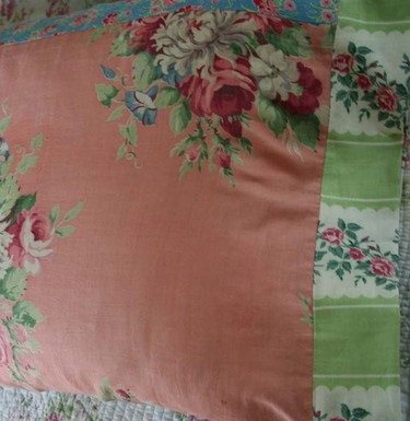 Vintage_fabric_pillowcases_2